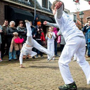 Capoeirademonstratie Voorschoten kids: KONINGSDAG 2016
