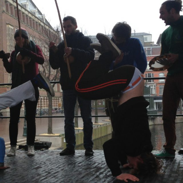 Capoeirademonstratie Leiden: OPEN voor de WERELD